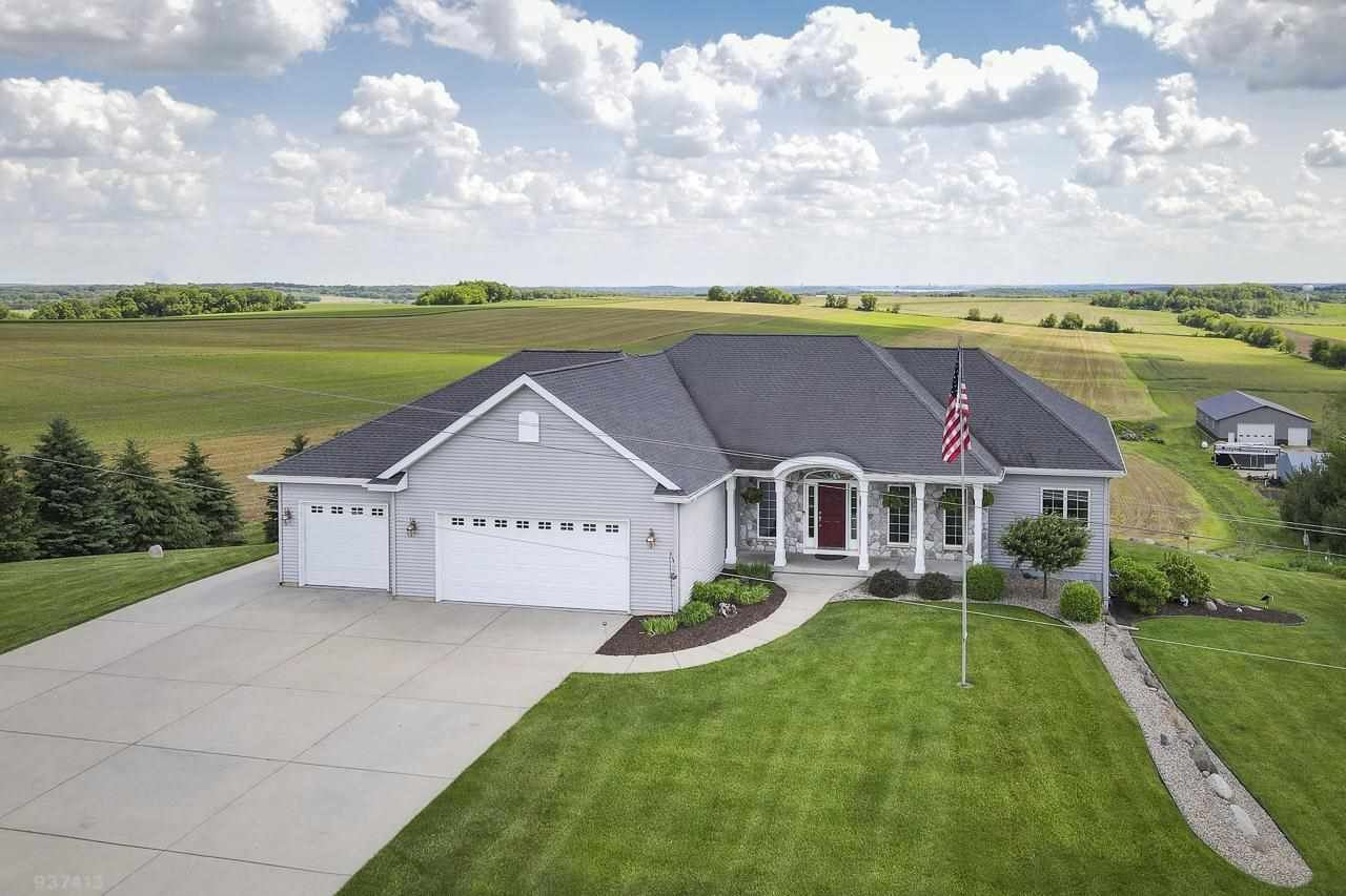 5637 Easy St, Waunakee, WI 53597 - #: 1908137