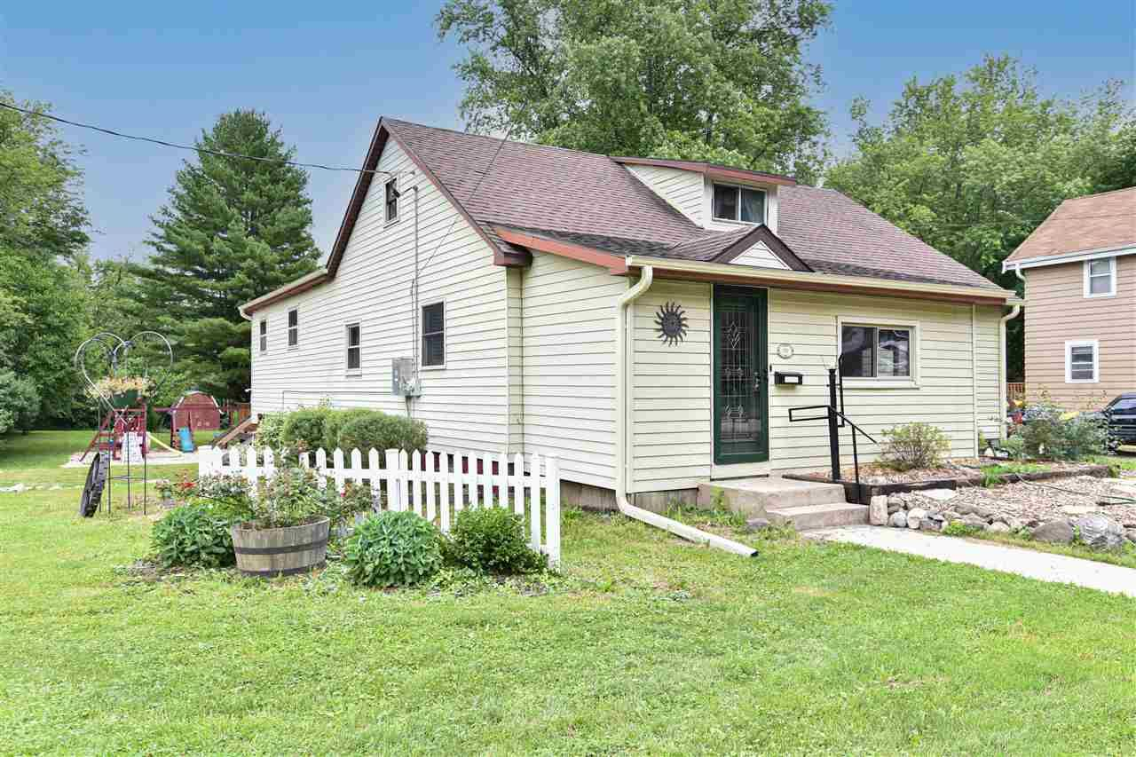 830 N Main St, Fort Atkinson, WI 53538 - #: 1914139