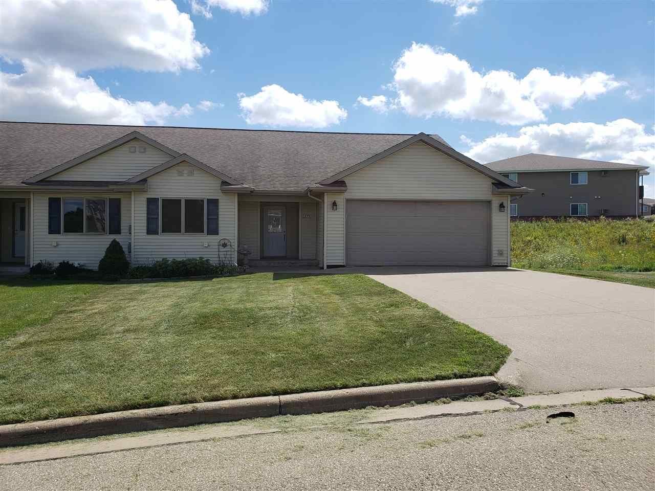 1577 Edgewood Ct, Platteville, WI 53818 - #: 1889140