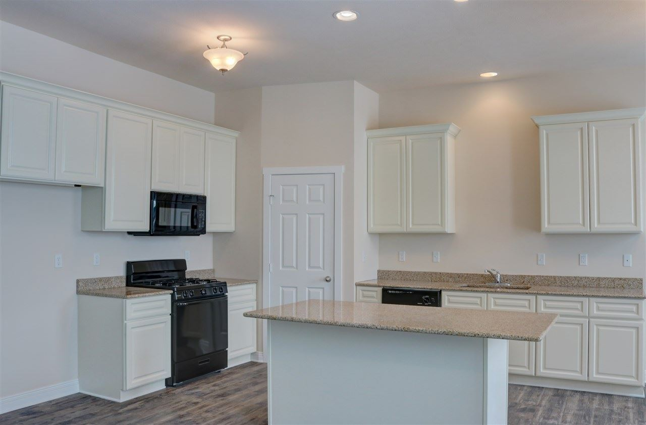 f_1884143_02 Our Listings at Best Realty of Edgerton