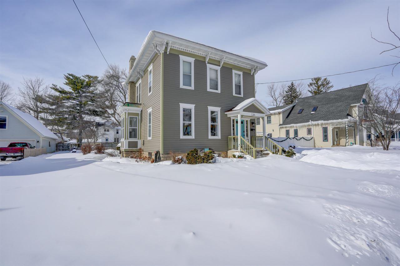 126 N Prairie St, Stoughton, WI 53589 - #: 1902143