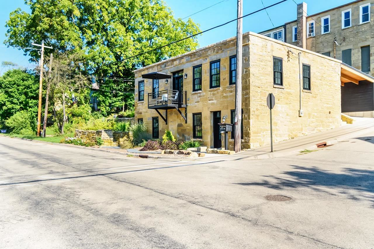 203 Fountain St, Mineral Point, WI 53565 - #: 1919143