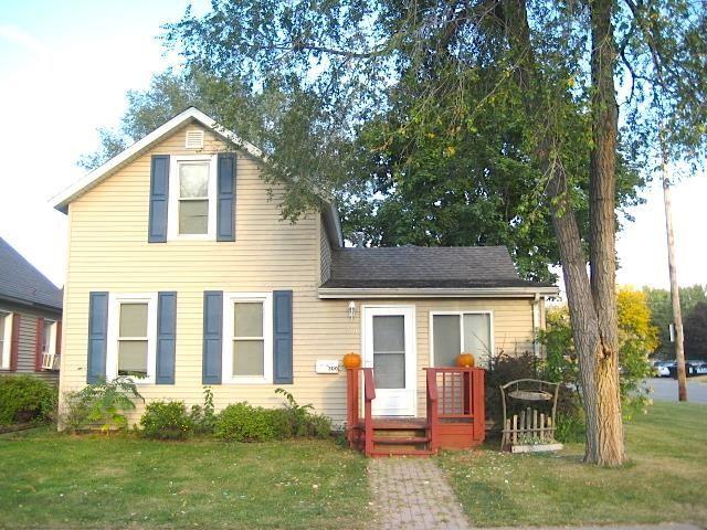 300 N Beaumont Rd, Prairie du Chien, WI 53821 - #: 1921145