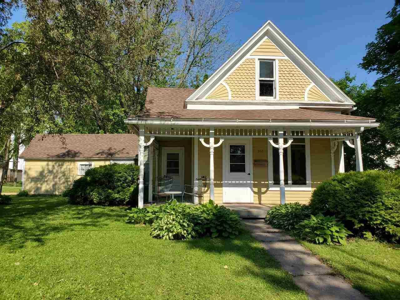 260 N Elm St, Platteville, WI 53818 - #: 1911146