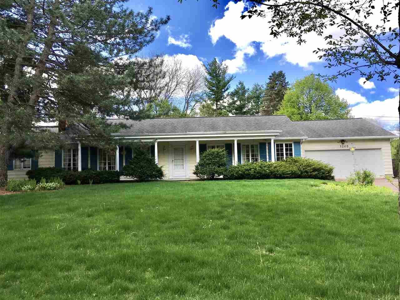 3205 Kingston Dr, Madison, WI 53713 - #: 1909149