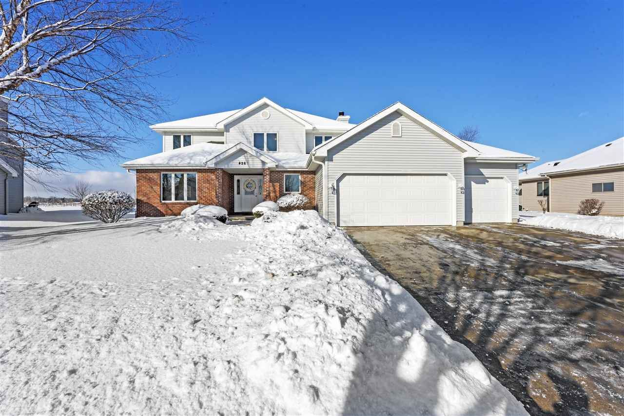 426 Augusta Dr, Madison, WI 53717 - #: 1877150