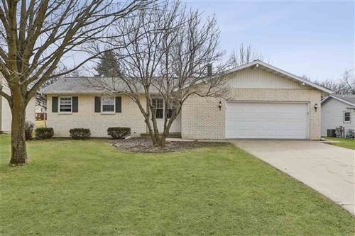 Photo of 9 Ranch House Ln, Madison, WI 53716 (MLS # 1880153)