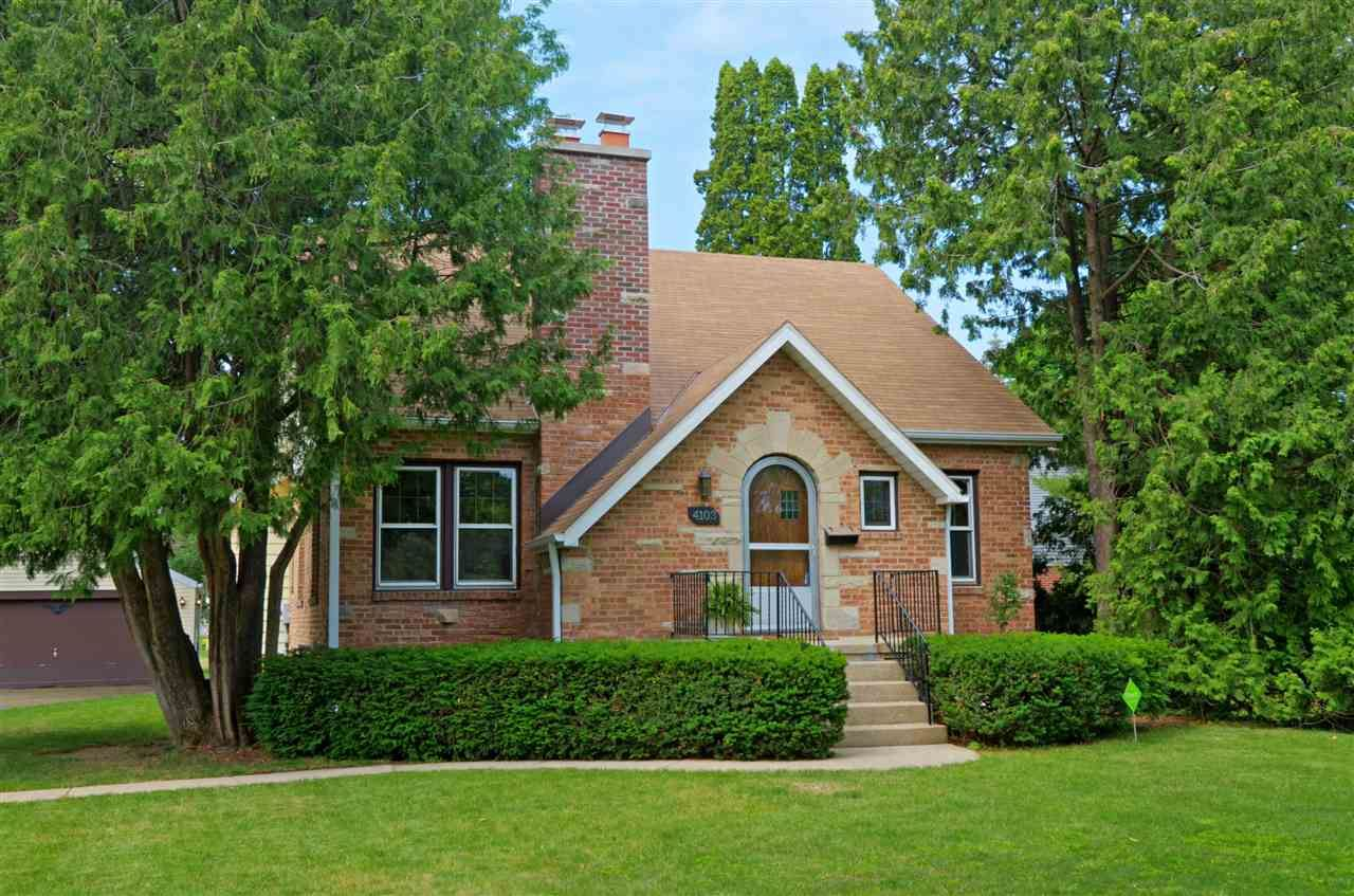 Photo for 4103 Hegg Ave, Madison, WI 53716 (MLS # 1910155)
