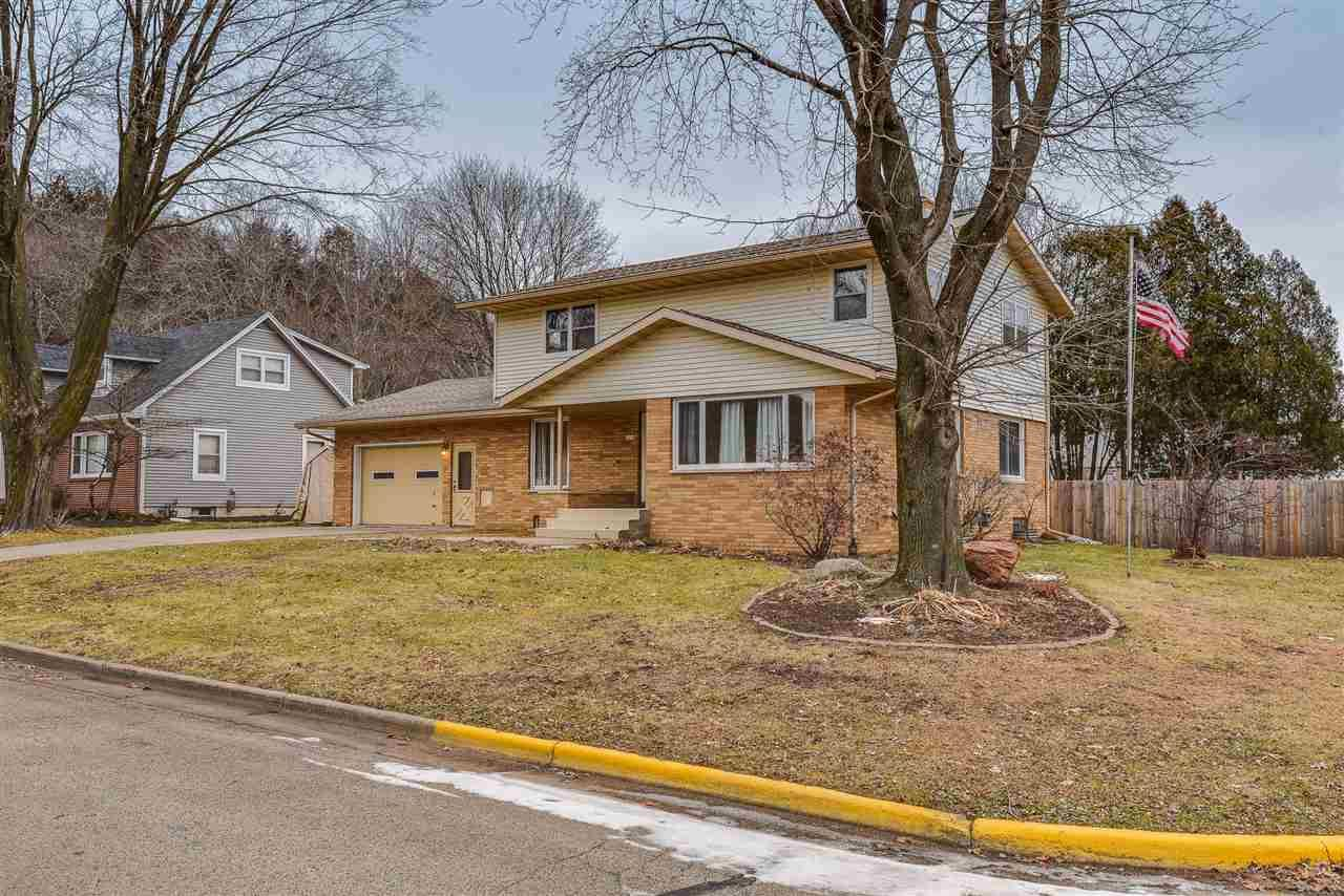 2204 Spring St, Cross Plains, WI 53528 - #: 1875164