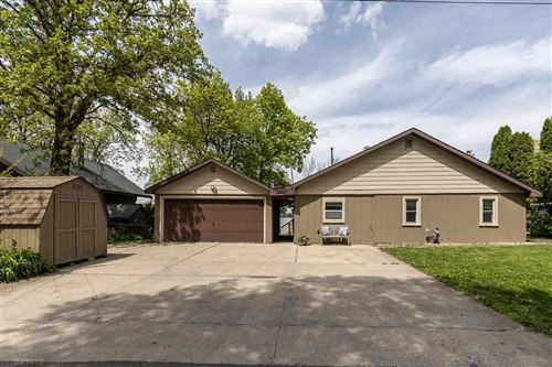 Photo of 2206 Colladay Point Dr, Stoughton, WI 53589 (MLS # 1909165)