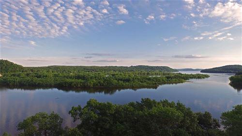 Photo of L10 Gold Bluff Ct, Portage, WI 53901 (MLS # 1884166)