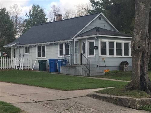 Photo of 625 11th St, Baraboo, WI 53913 (MLS # 1906167)