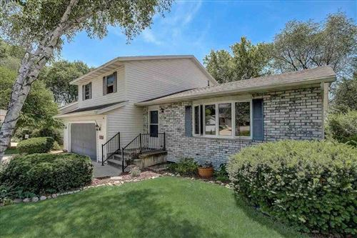 Photo of 5609 Rustic Woods Drive, Madison, WI 53716-2449 (MLS # 1912167)