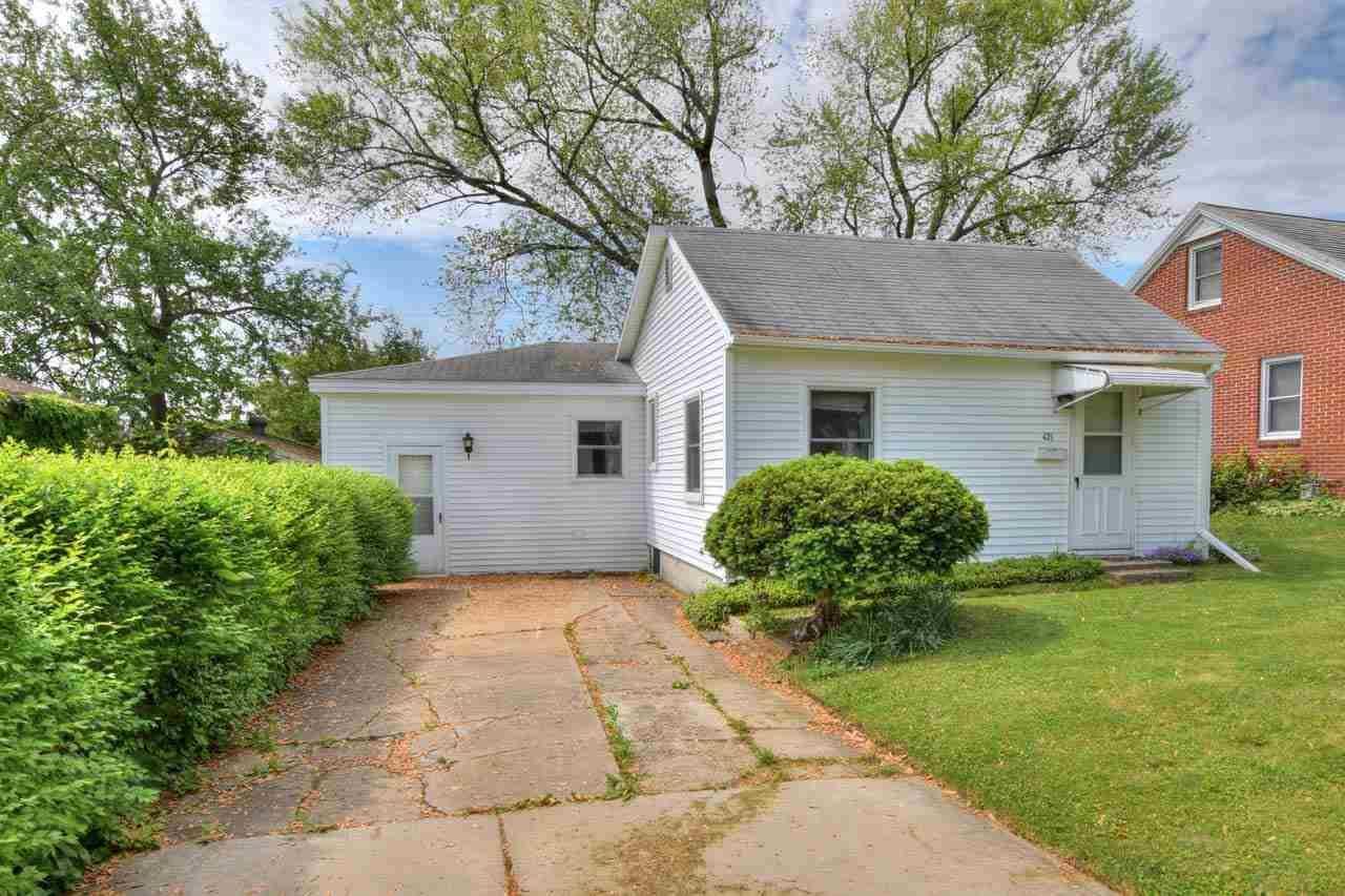 421 Wilson St, Sun Prairie, WI 53590 - #: 1910167