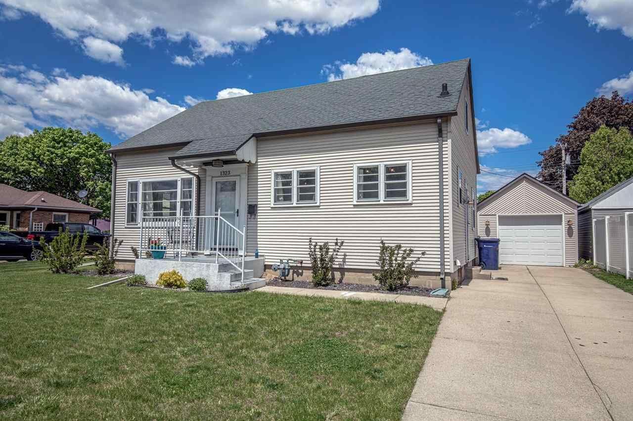 1323 Bennett St, Janesville, WI 53545 - #: 1909170