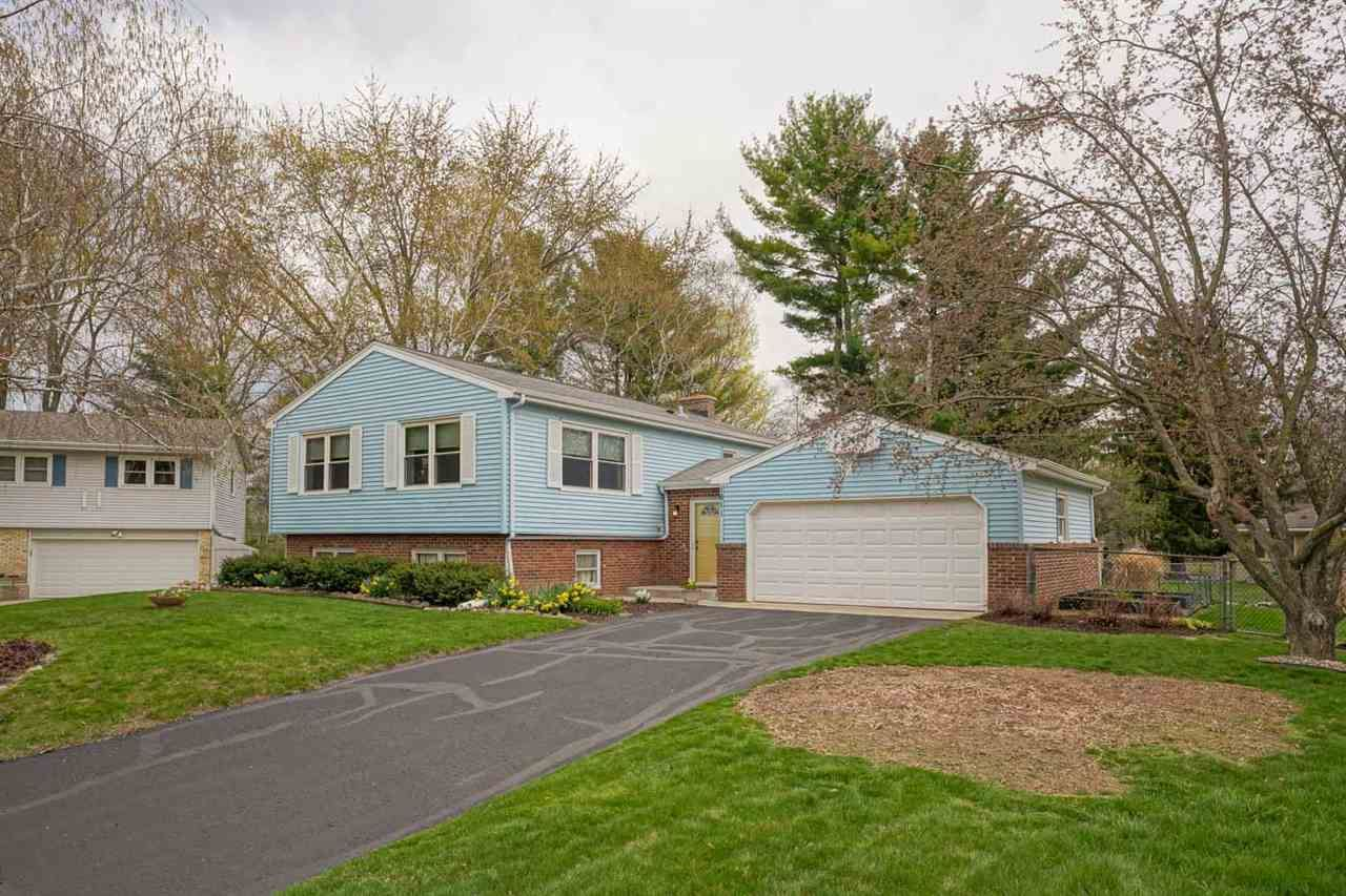 1611 Dohse Ct, Middleton, WI 53562 - #: 1907173