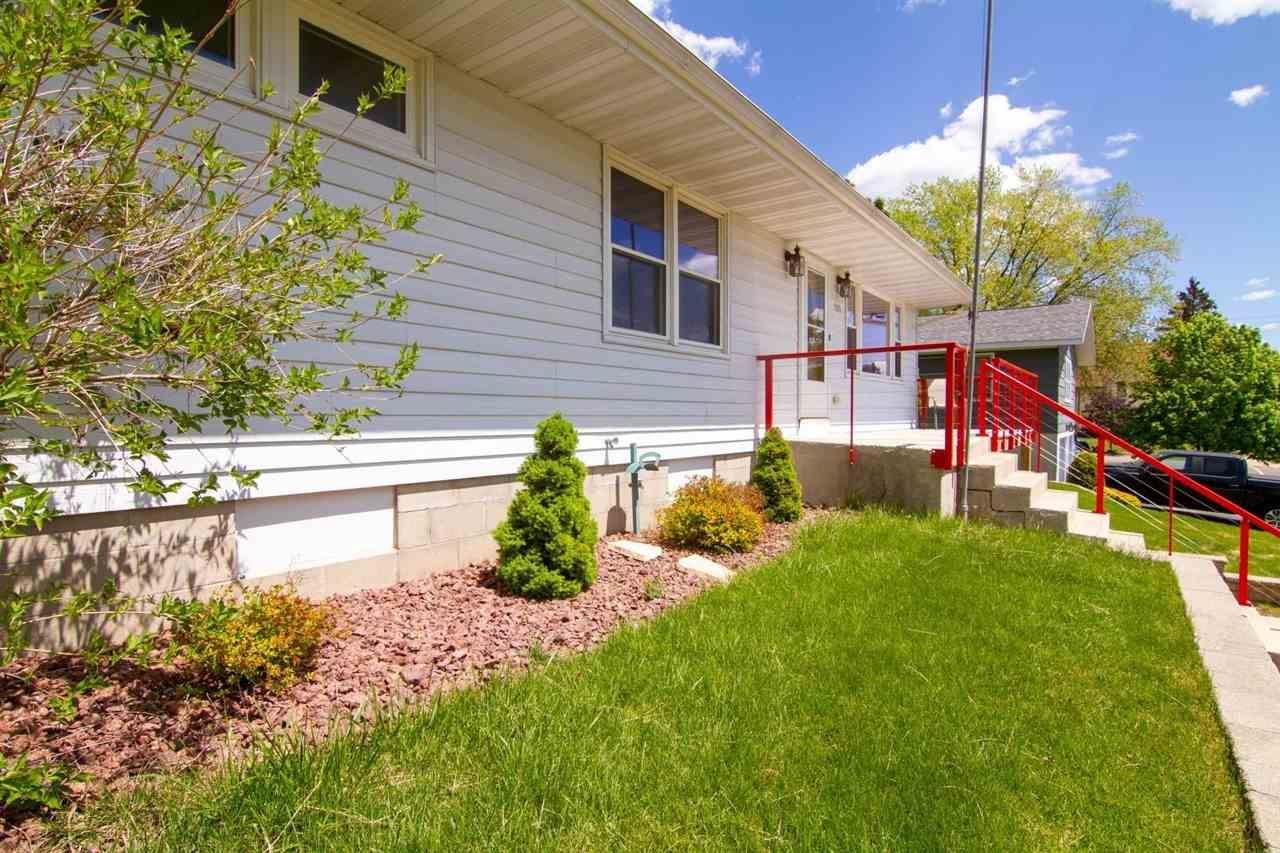 513 W Burns St, Portage, WI 53901 - #: 1908177