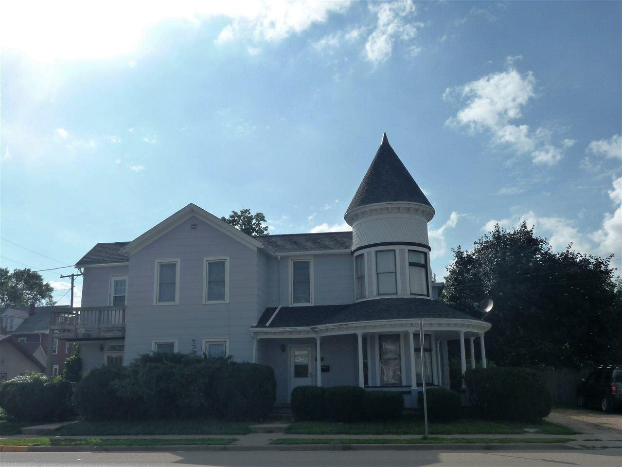 200 N Chestnut St, Platteville, WI 53818 - #: 1922179