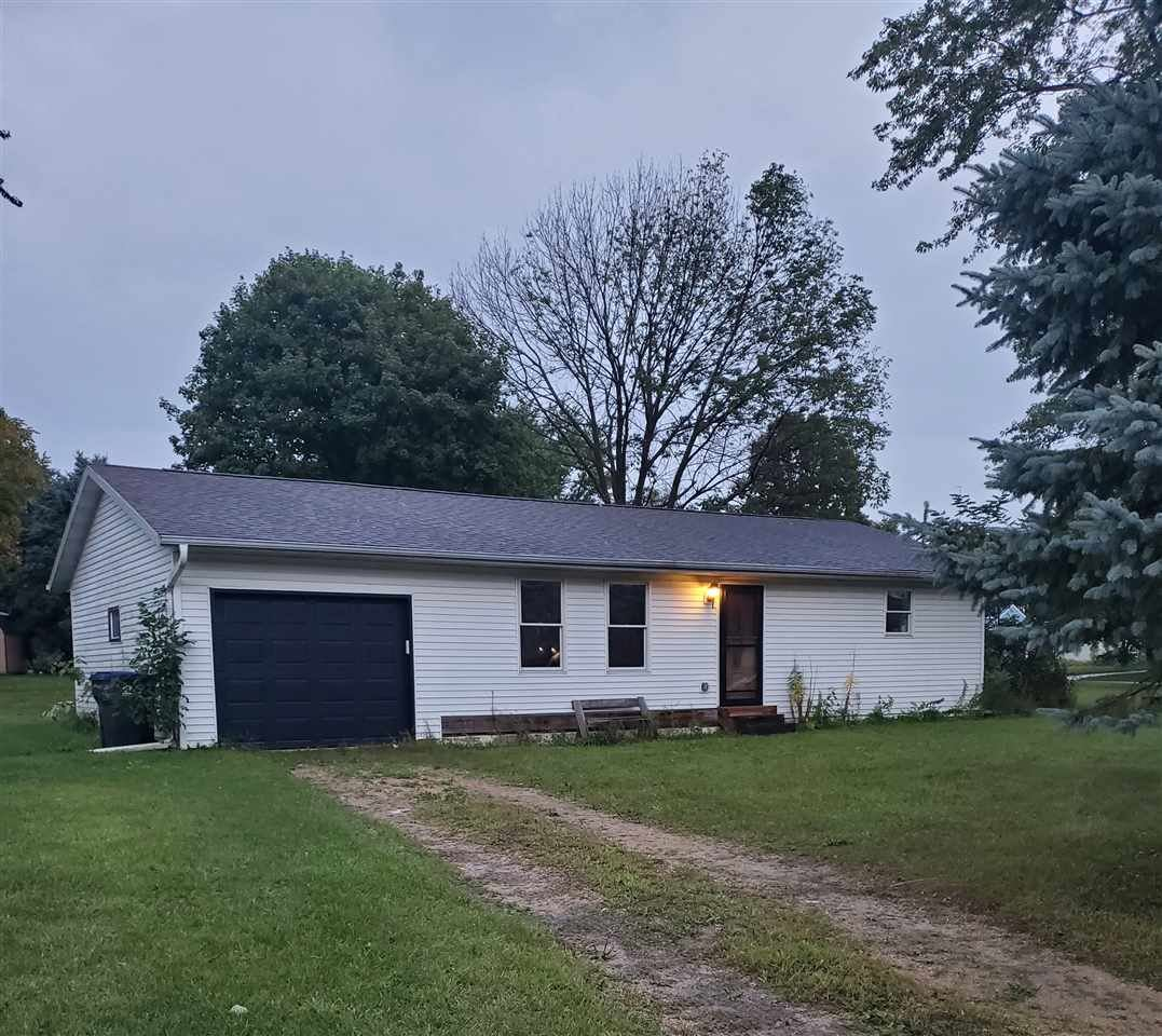 470 Lincoln Ct, Evansville, WI 53536 - #: 1893182