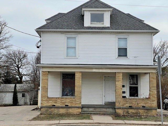 164 B & 165 A W Pine St, Platteville, WI 53818 - #: 1904183