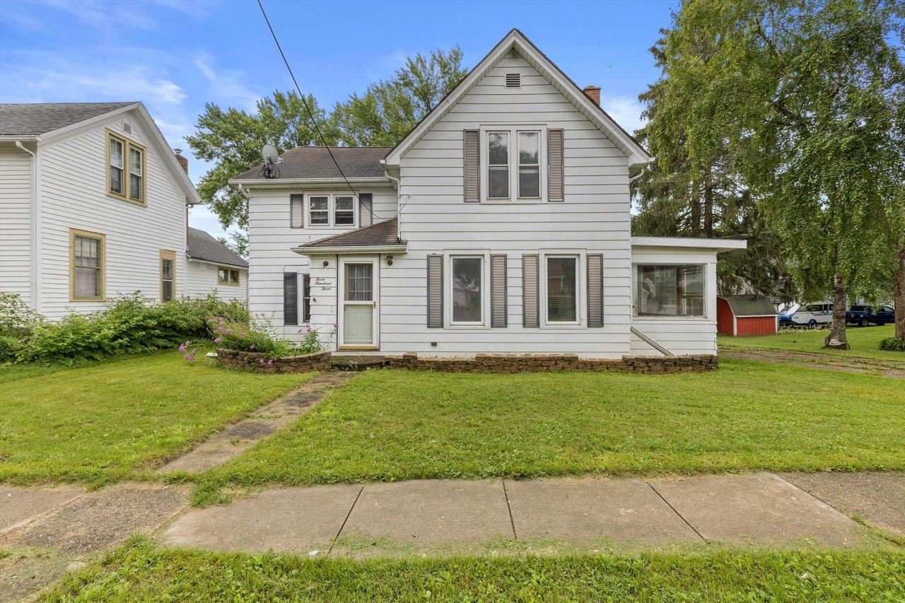 303 Maple Ave, Clinton, WI 53525 - #: 376183
