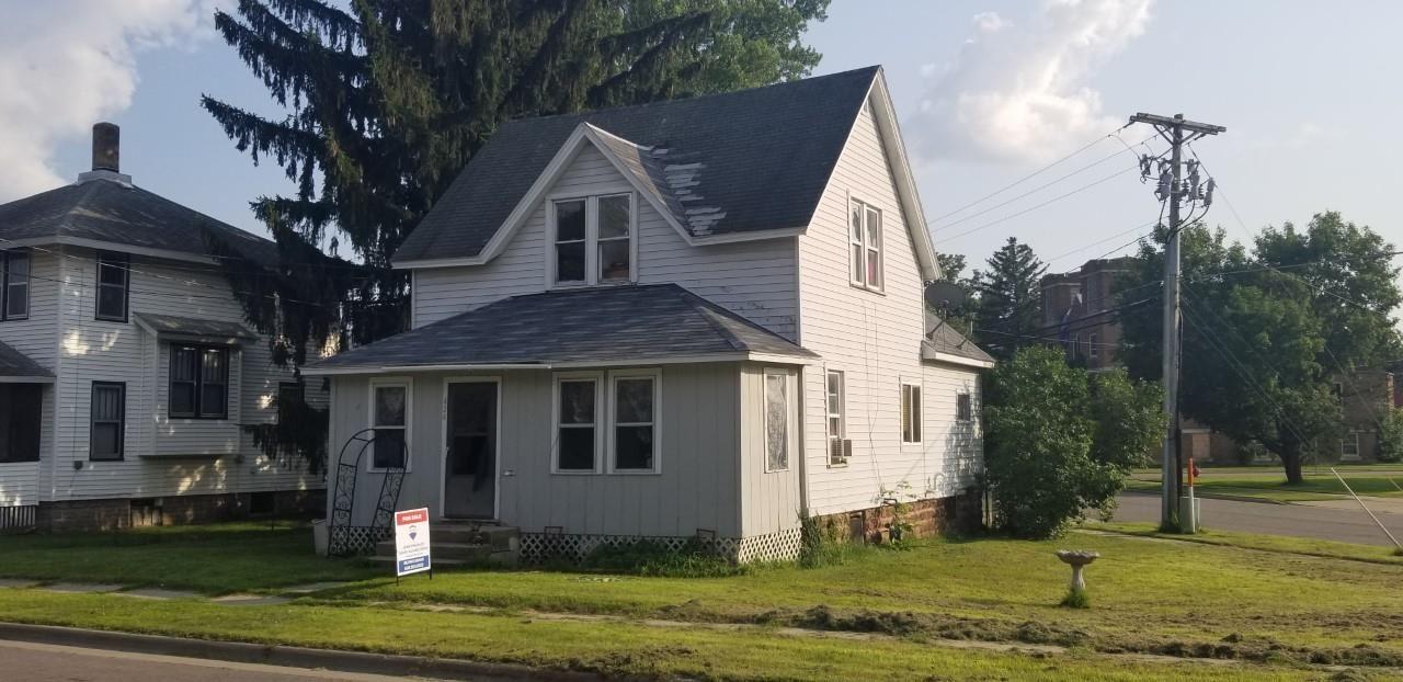 424 W State St, Mauston, WI 53948 - #: 1864186