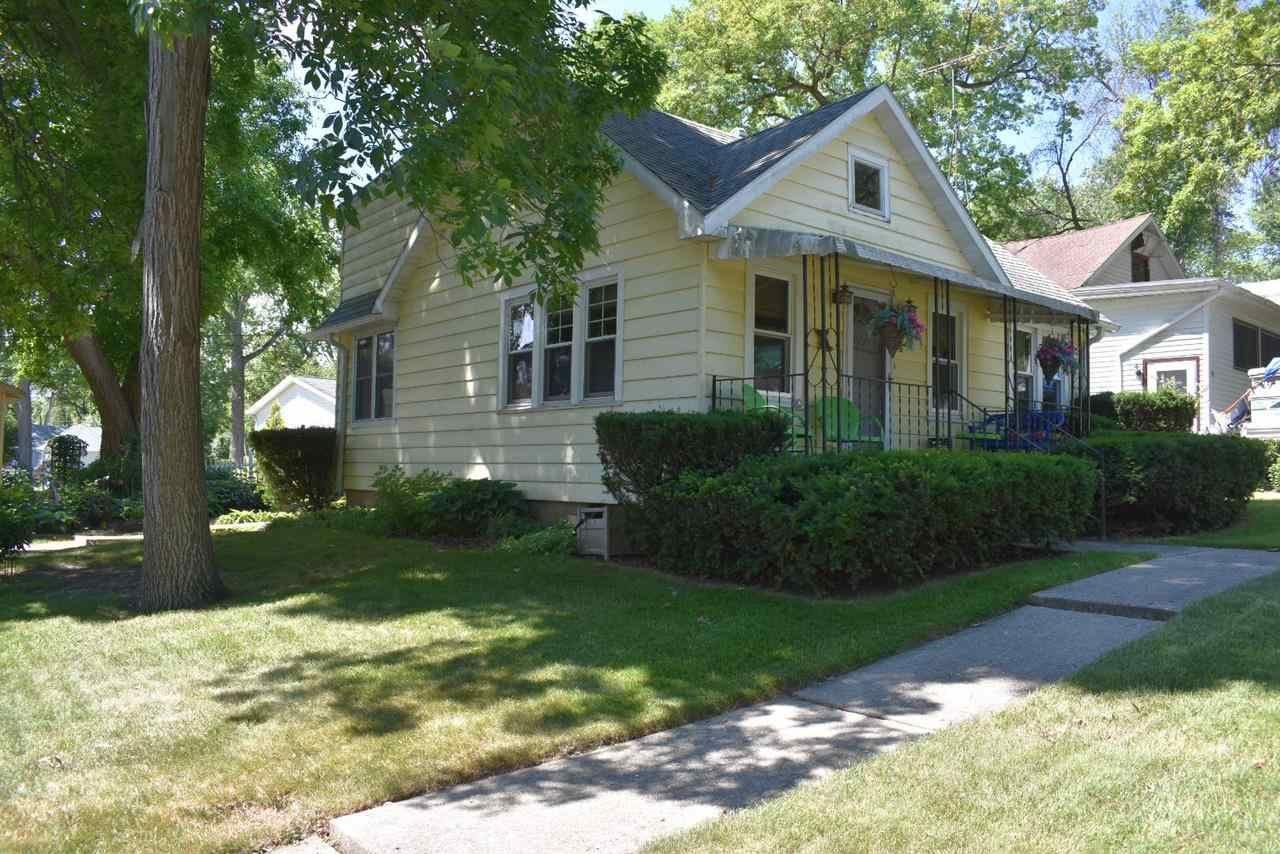 f_1912186 Real Estate in 53534 zip code