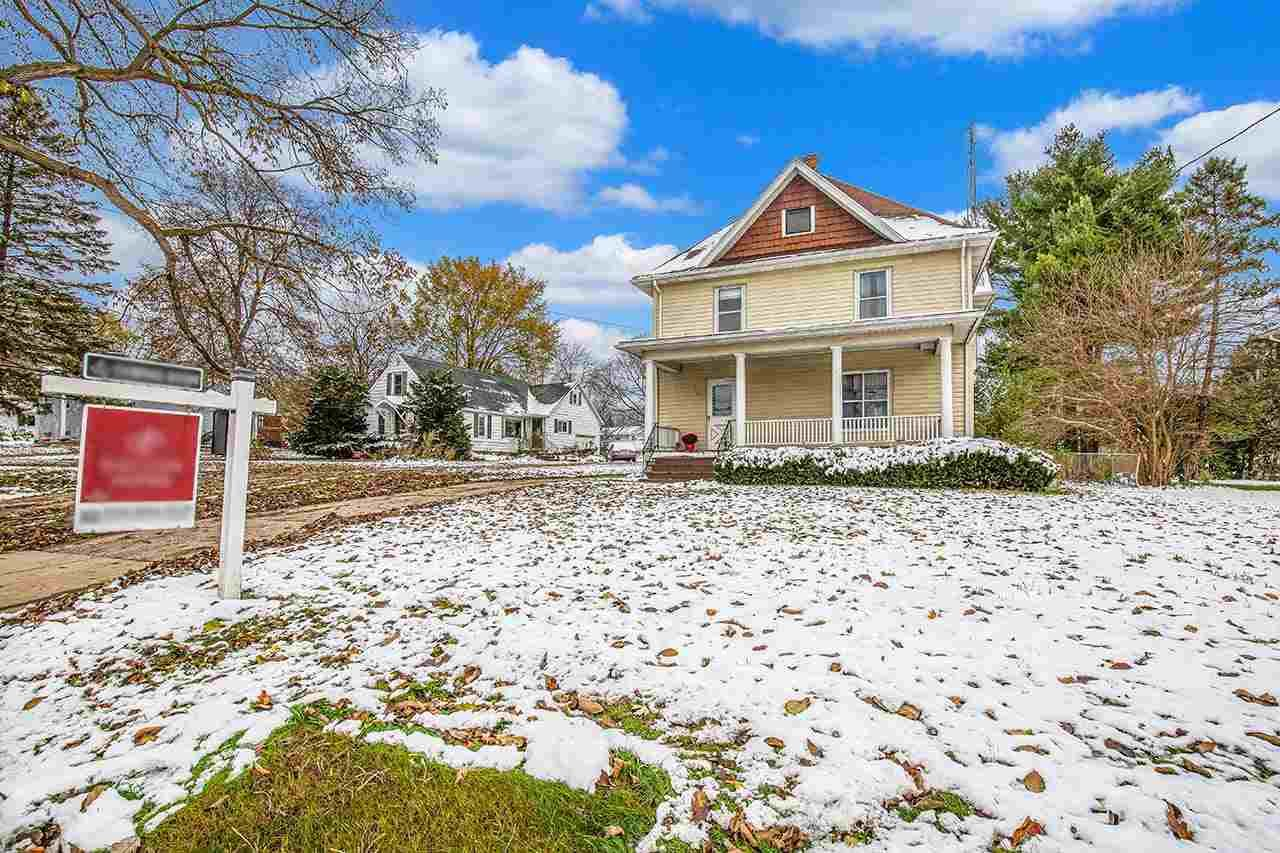 232 HUBBELL ST, Marshall, WI 53559 - #: 1875192
