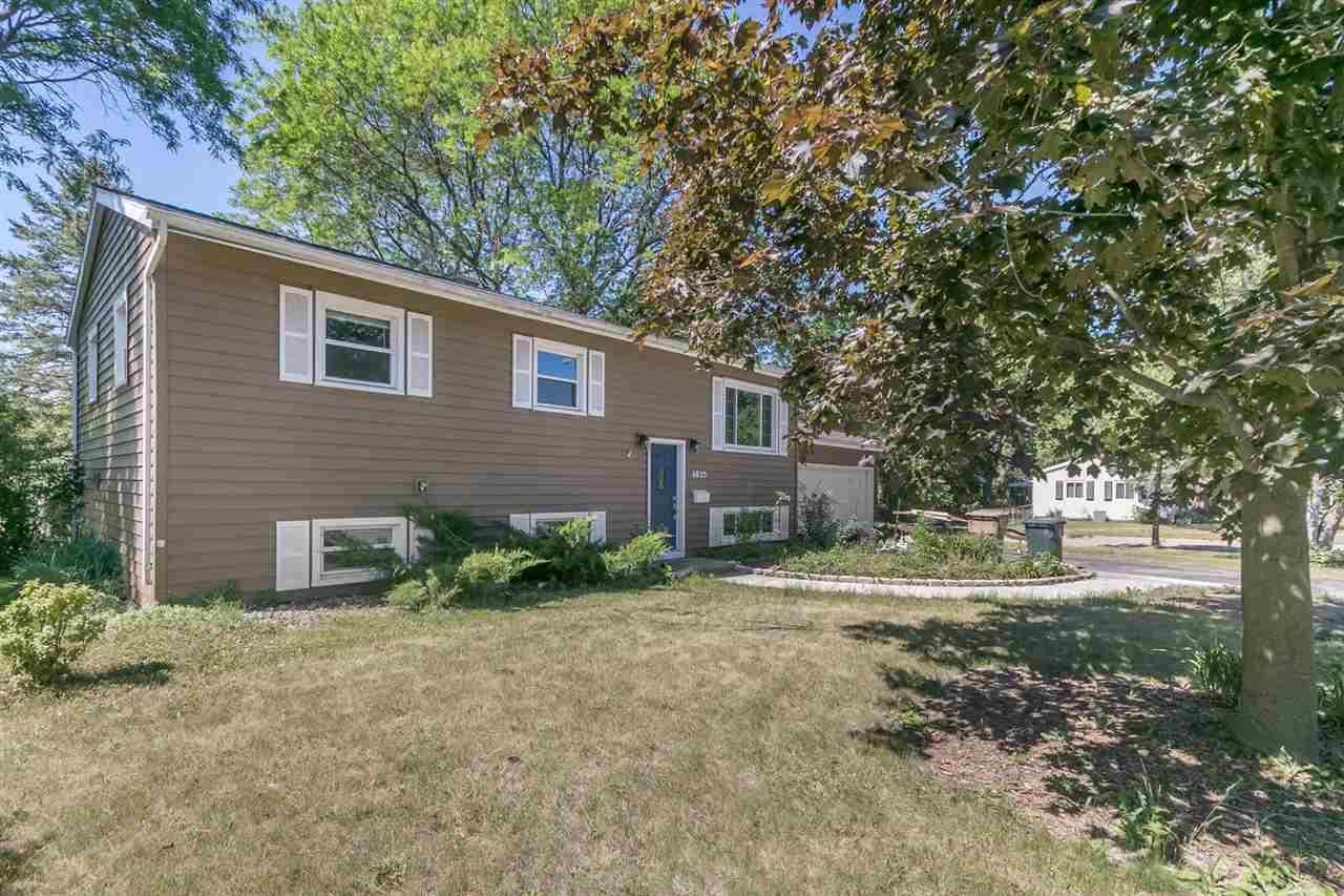 6025 Raymond Rd, Madison, WI 53711 - #: 1912193
