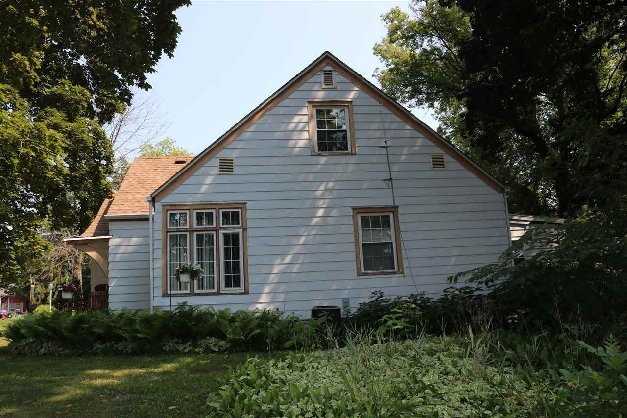 f_1916196_01 Our Listings at Best Realty of Edgerton