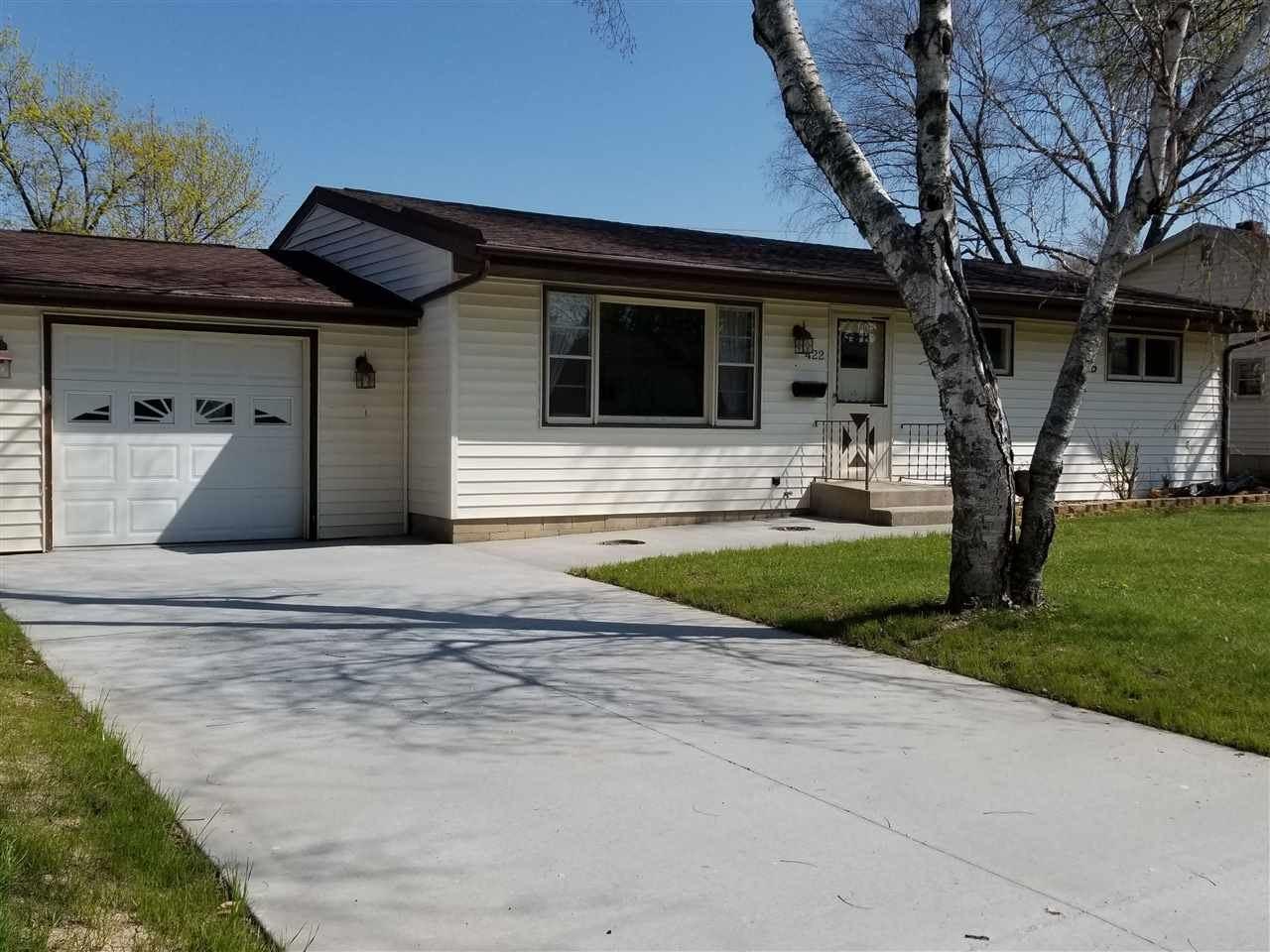 422 Hemphill Ave, Edgerton, WI 53534 - #: 1907199