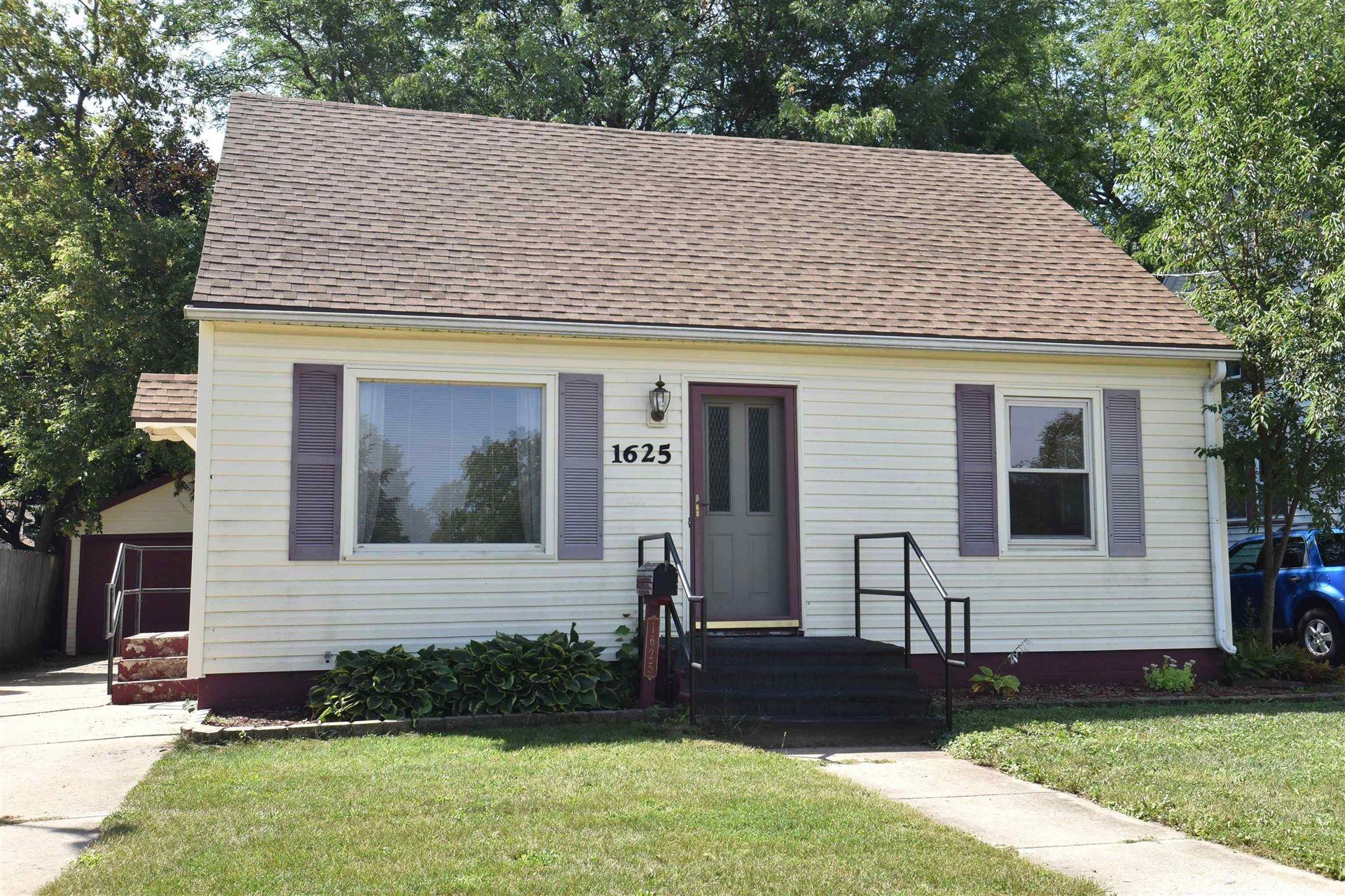 1625 Linden Ave, Janesville, WI 53548 - #: 1918199