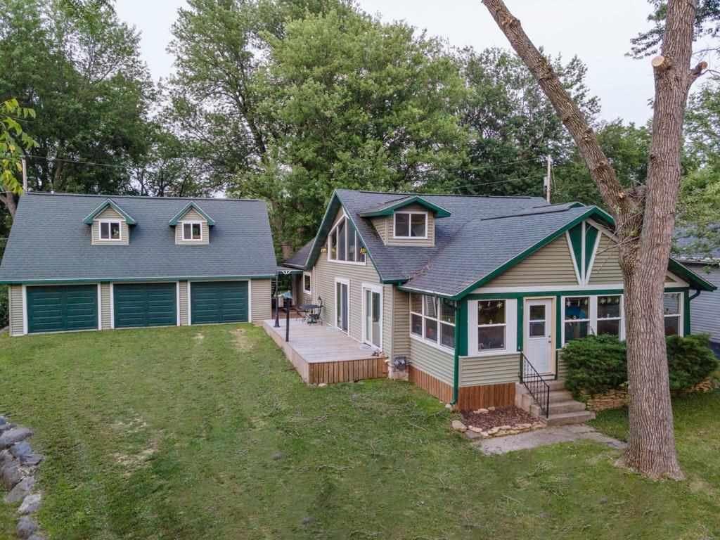 f_1915200 Real Estate in 53534 zip code