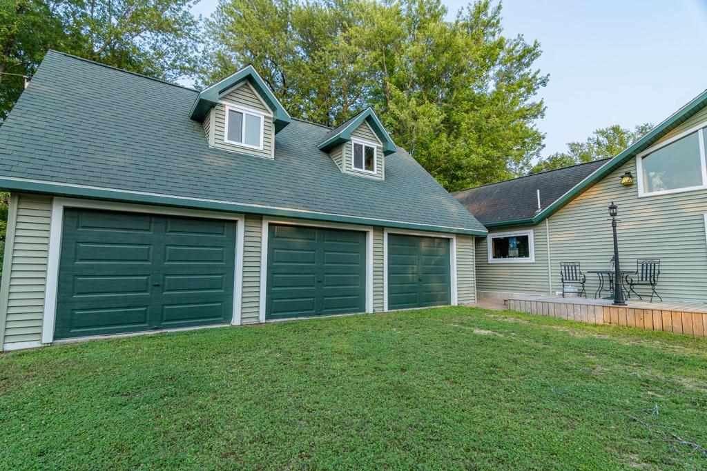 f_1915200_02 Real Estate in 53534 zip code