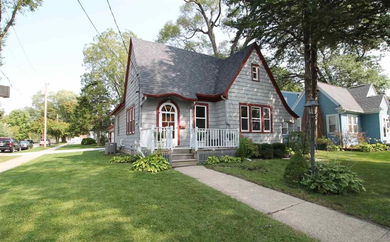 1233 Grace St, Janesville, WI 53545 - #: 1892203