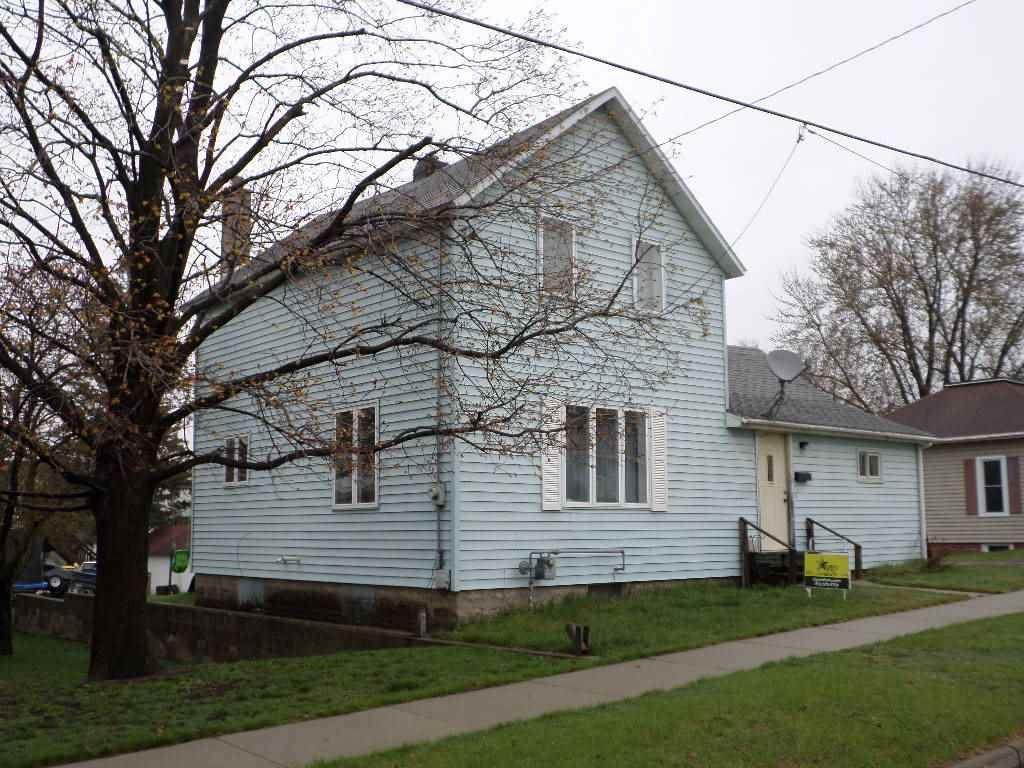 527 W Benton St, Tomah, WI 54660 - #: 1900208