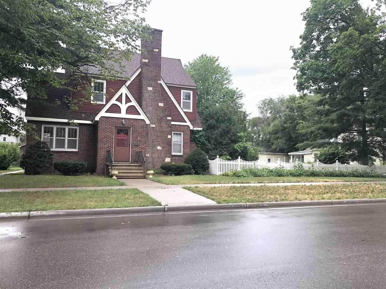135 N Michigan St, Prairie du Chien, WI 53821 - #: 1913213