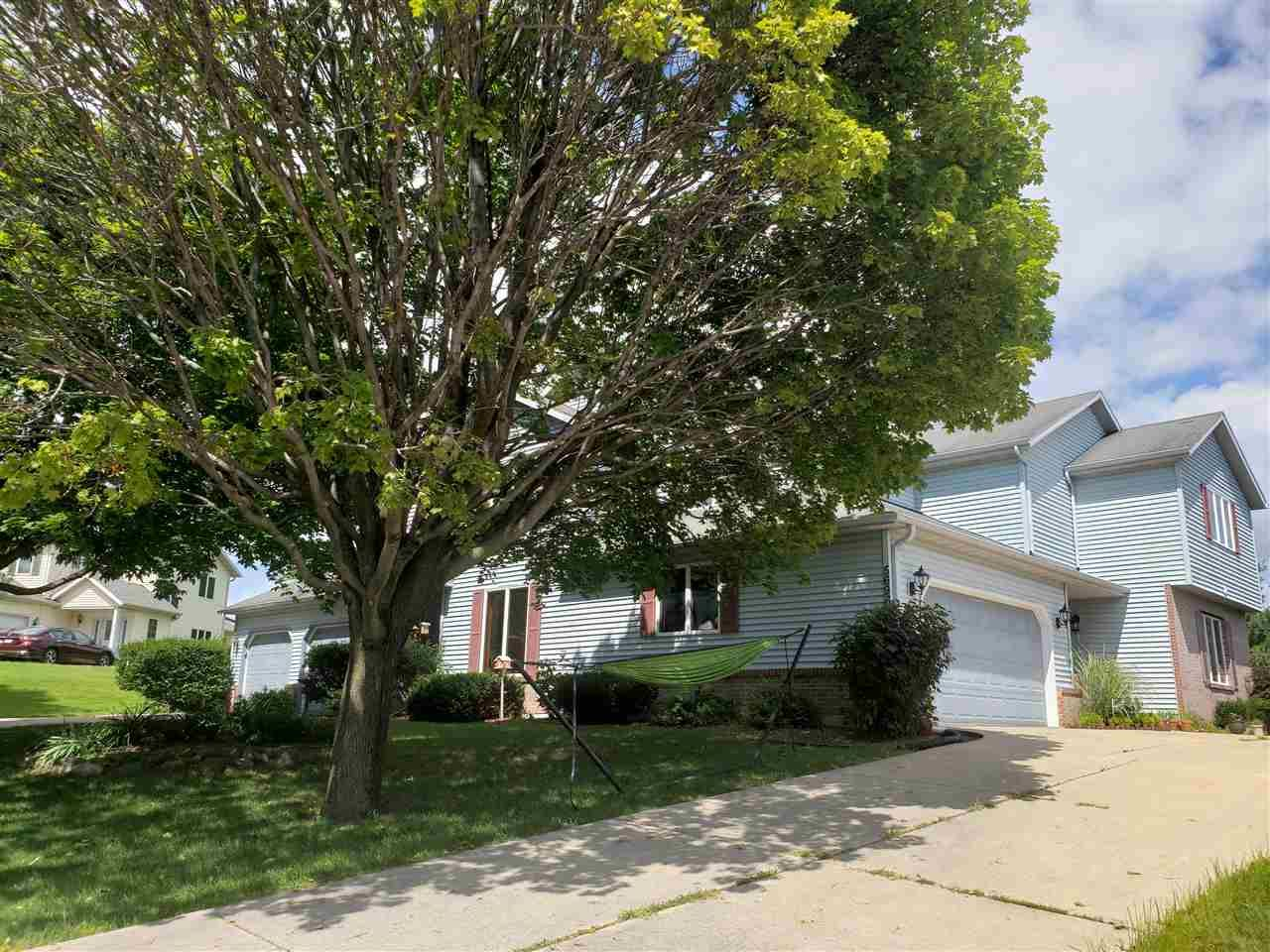 5696\/5698 Claredon Dr, Fitchburg, WI 53711 - MLS#: 1889217