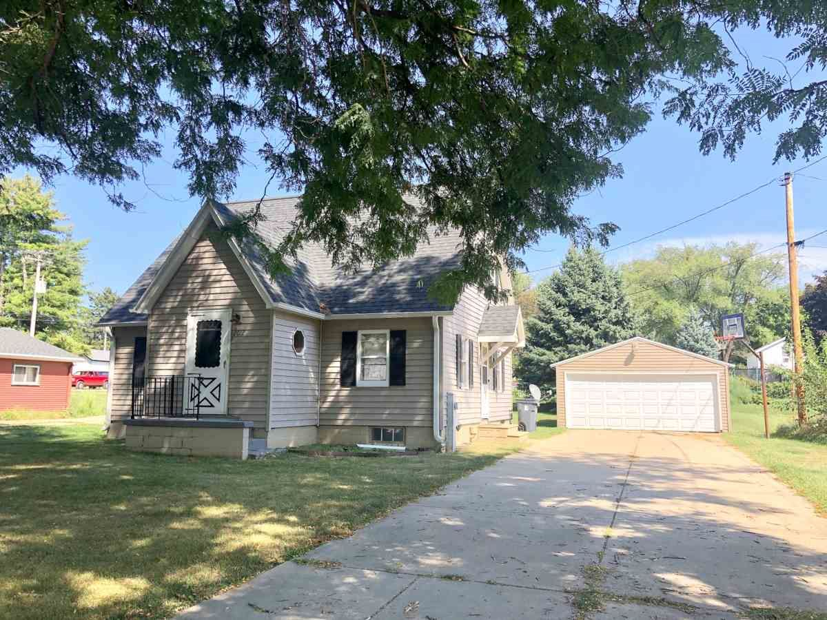 2012 9th Ave, Monroe, WI 53566 - #: 1892217