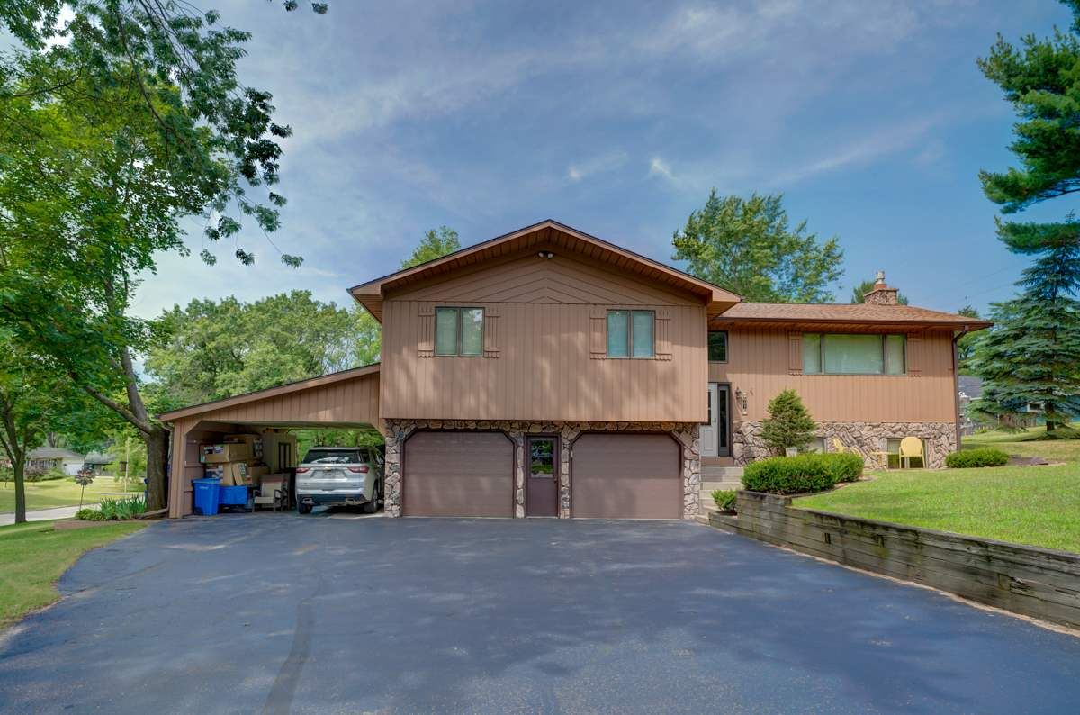 905 Pine Dr, Wisconsin Dells, WI 53965 - #: 1888222