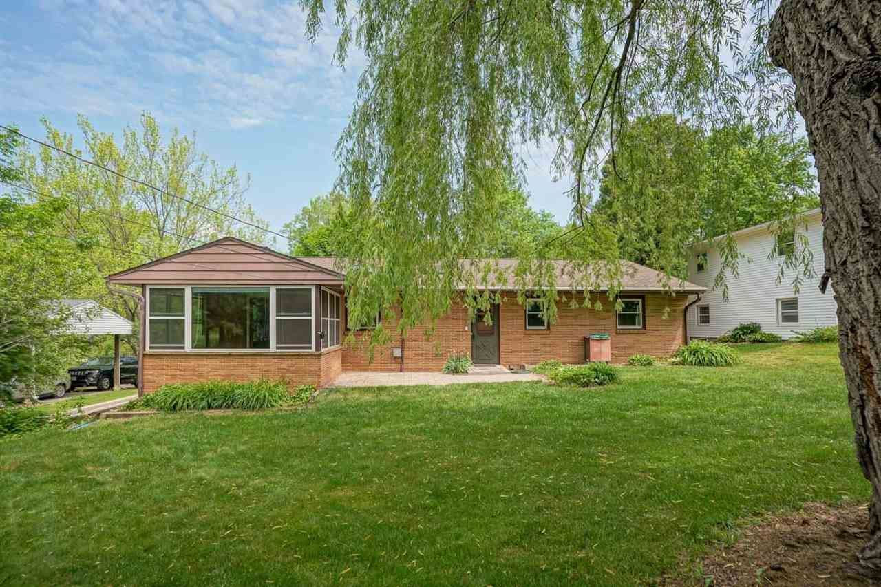 Photo for 4921 Eyre Ln, Madison, WI 53711 (MLS # 1910225)