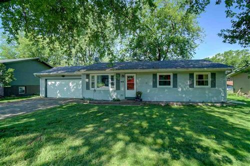 Photo of 416 E Lincoln Dr, DeForest, WI 53532 (MLS # 1886230)