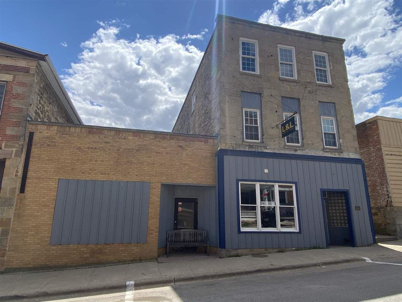 52 High St, Mineral Point, WI 53565 - #: 1909231