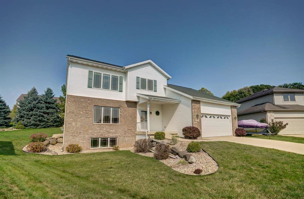 34 Woodcroft Cir, Madison, WI 53719 - #: 1896234