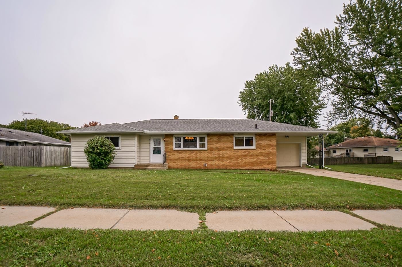 Photo for 817 N Bristol St, Sun Prairie, WI 53590-1440 (MLS # 1921240)