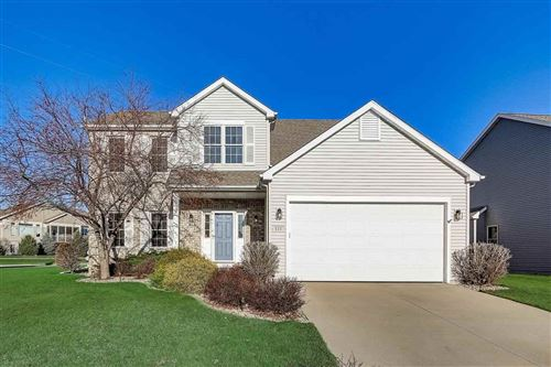 Photo of 533 Vanderbilt Dr, Waunakee, WI 53597 (MLS # 1898241)