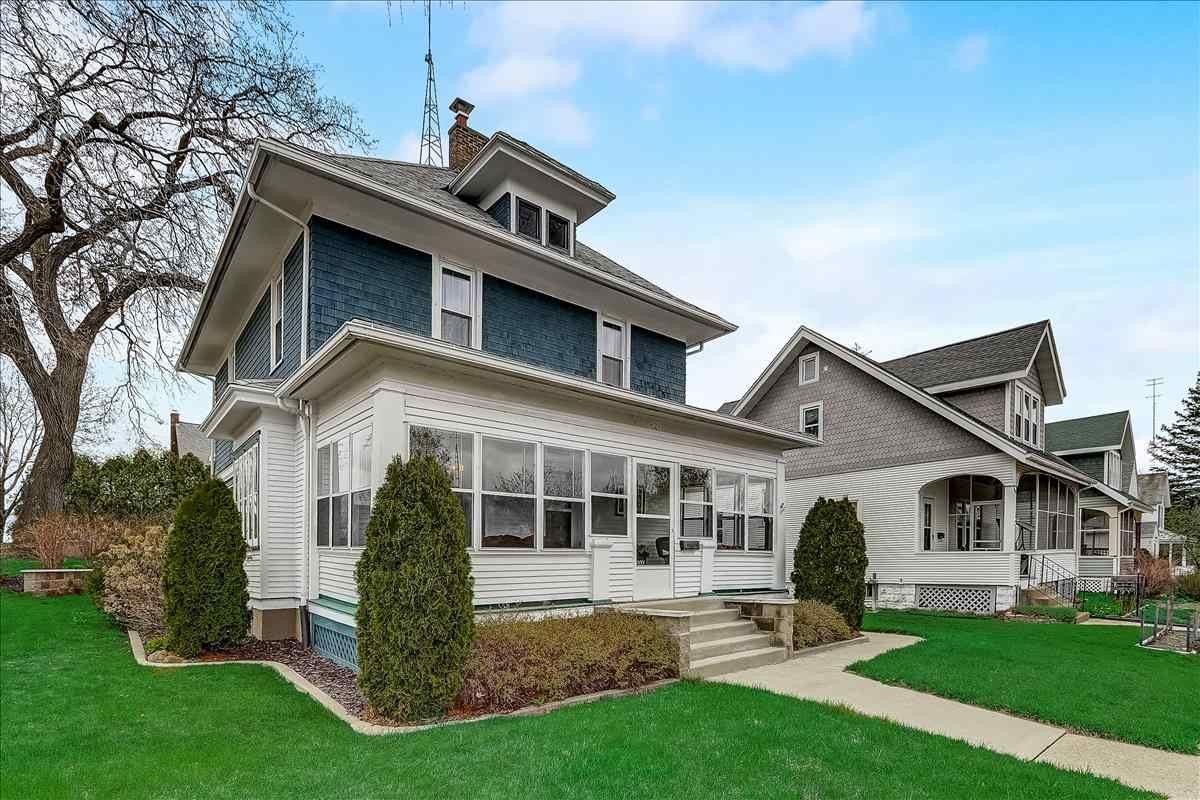629 W Pleasant St, Portage, WI 53901 - #: 1906241