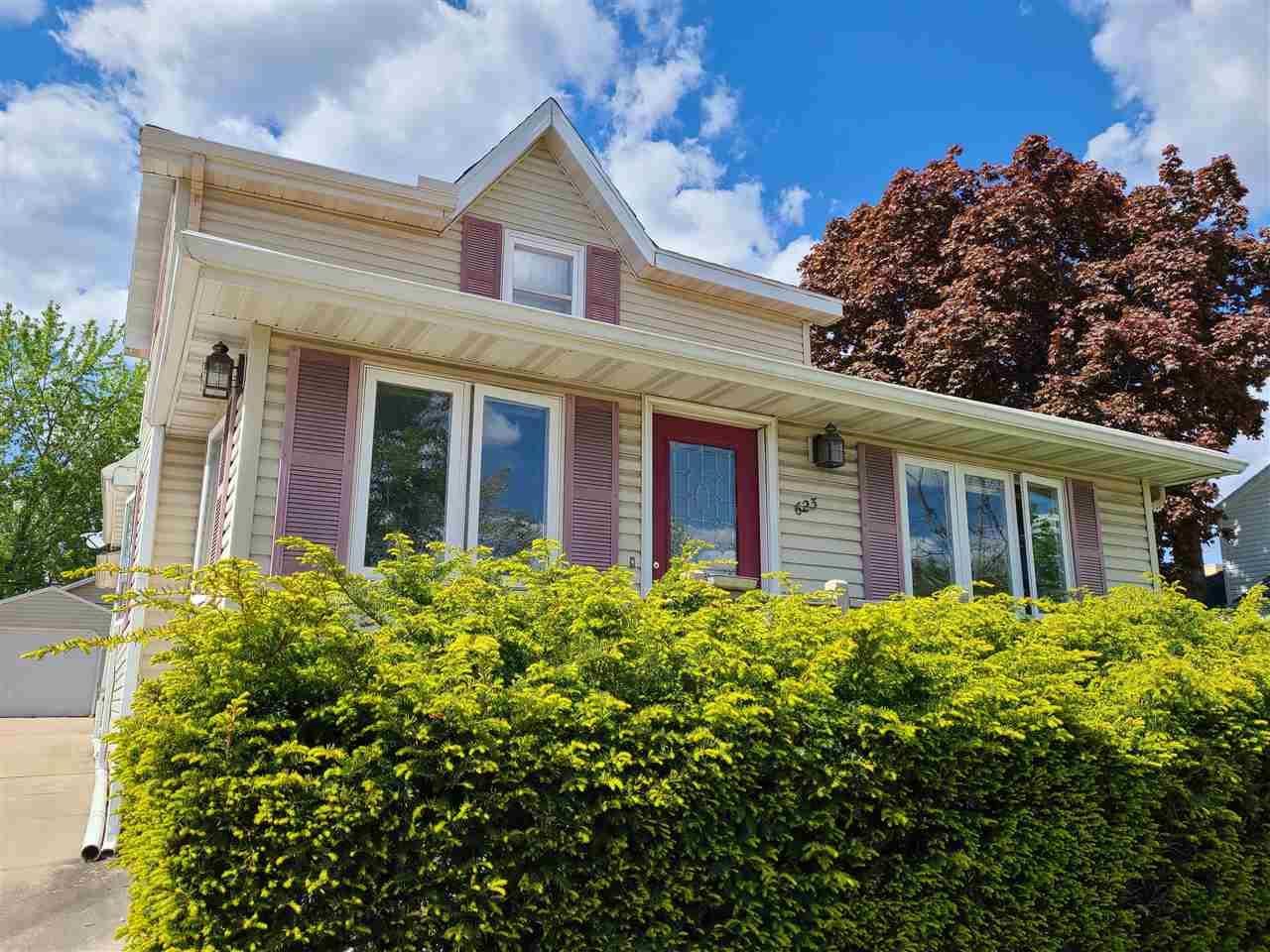 623 E Cook St, Portage, WI 53901 - #: 1909242