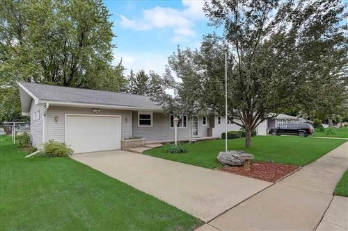 Photo of 208 6th St, Waunakee, WI 53597 (MLS # 1914243)