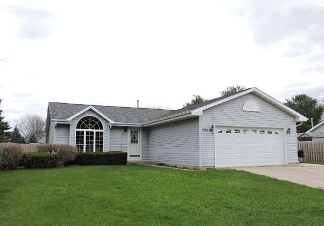 1328 Montclair Pl, Fort Atkinson, WI 53538 - #: 374244